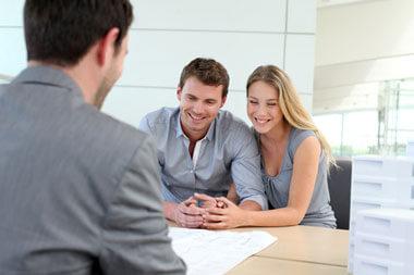 Should I Use a Mortgage Broker or a Bank?